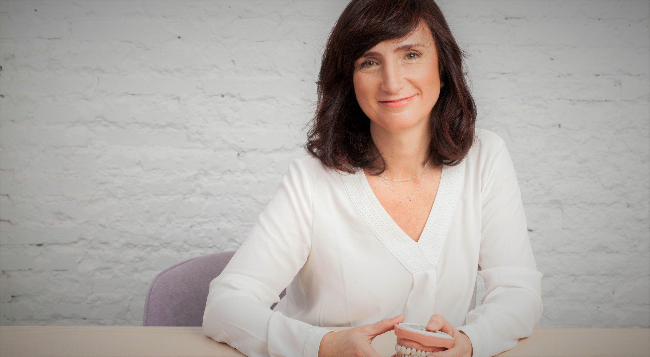 Cristina Estrada - traductora autónoma especializada en el campo dental e higienista